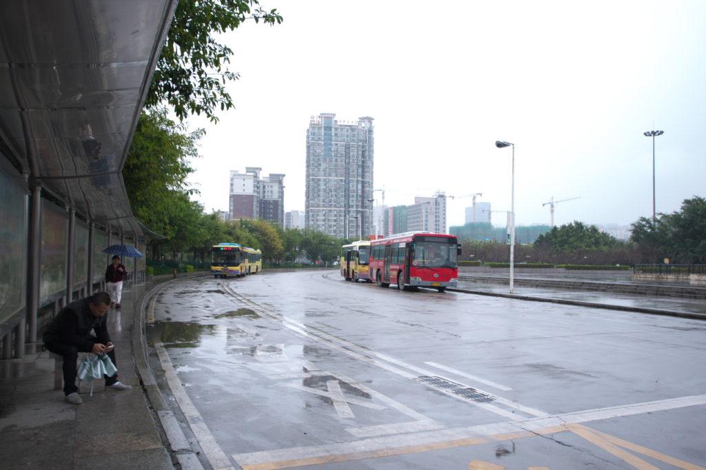 市バス乗り場