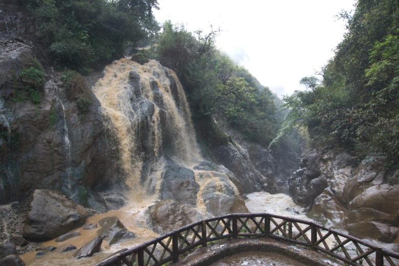 カットカット滝