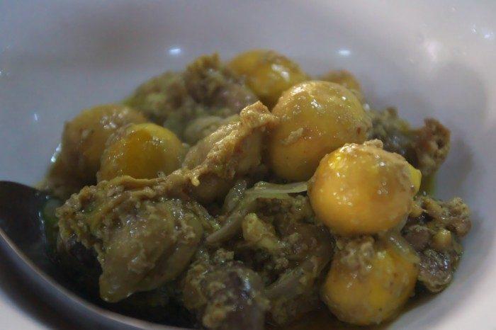 鶏モツのカレー煮