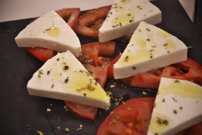 トマトのチーズ乗せ