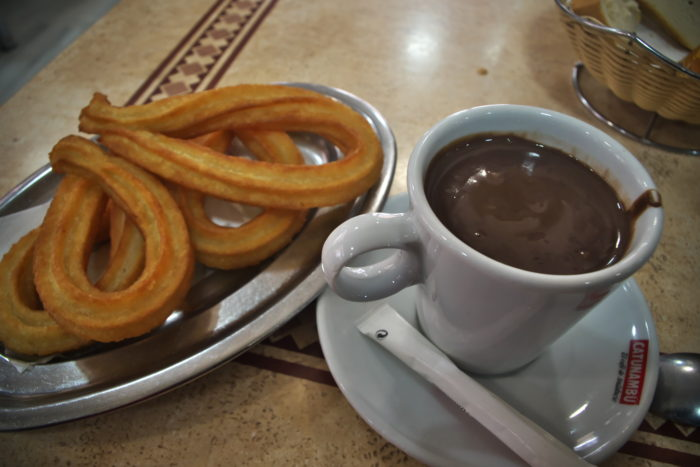 ホットチョコレート&チュロス