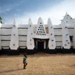 ガーナのモレ国立公園からイエンディに移動しつつ「西アフリカ最古のモスク」や「お祭り」も(2018年5月13日)