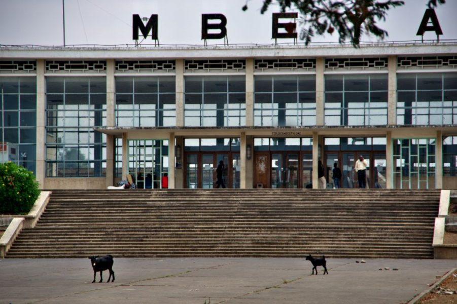 タンザン鉄道ムベヤ駅