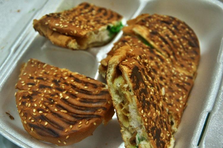 白身魚のサンドイッチ