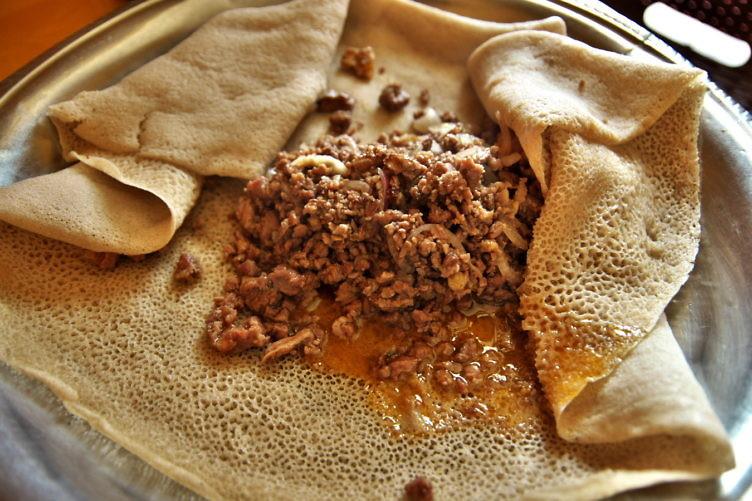 インジェラ&キトフォ(Cooked)